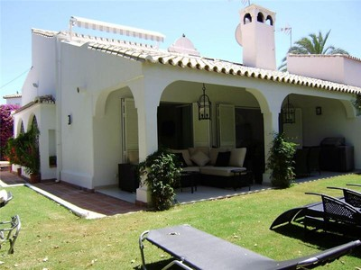 タウンハウス for sales at Delightful semi-detached villa close to the beach  Marbella, Costa Del Sol 29600 スペイン