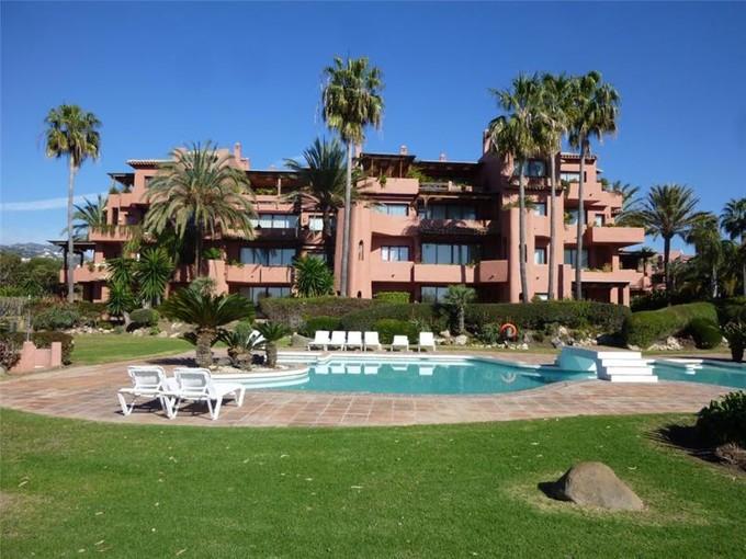 Apartment for sales at Privileged position  Marbella, Costa Del Sol 29600 Spain