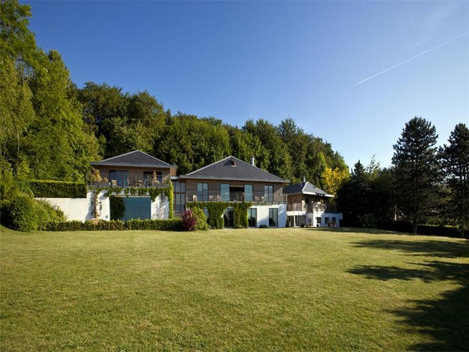 Einfamilienhaus for sales at SUBLIME MANSION PROPERTY IN ABSOLUTE TRANQUILLITY  Cheserex, Waadt 1275 Schweiz