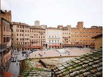 Apartment for sales at Beautiful apartment with views of Piazza del Campo  Siena, Siena 53100 Italy