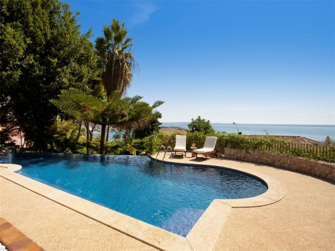 Maison unifamiliale for sales at Beautiful Mediterranean Villa In Cas Catalá  Bendinat, Majorque 07181 Espagne