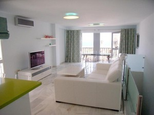 Additional photo for property listing at Refurbished apartment in Puerto Banus  Marbella, Costa Del Sol 29660 Spain