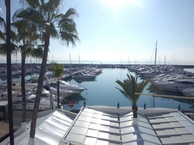 Appartement for sales at Front line apartment in Puerto Banús  Marbella, Costa Del Sol 29660 Espagne