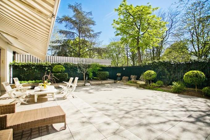 Квартира for sales at Duplex with garden - Bois de Boulogne  Paris, Париж 92200 Франция
