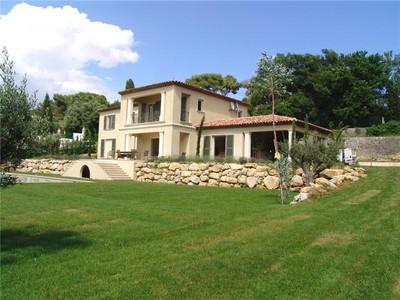 Apartamentos multi-familiares for sales at Newly built villa with view over Mougins old town  Mougins, Provença-Alpes-Costa Azul 06250 França