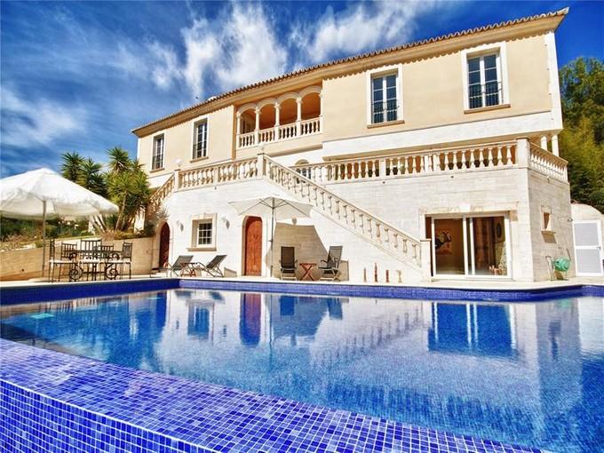 Maison avec plusieurs logements for sales at Luxueuse villa avec vues panoramiques à Son Vida  Palma Son Vida, Majorque 07013 Espagne