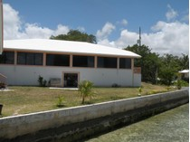 Nhà ở một gia đình for sales at Chatterbox  Marsh Harbour, Abaco . Bahamas