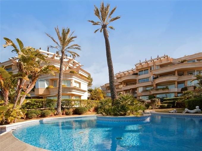 Apartment for sales at Luxury  Duplex Apartment in Santa Ponsa  Calvia, Mallorca 07180 Spain