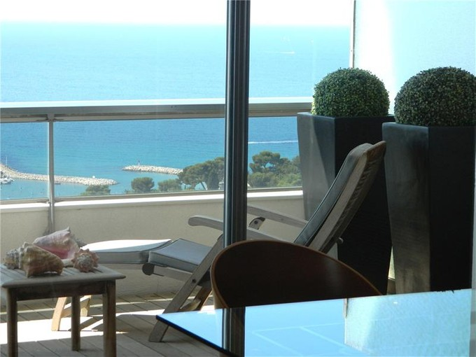 Apartment for sales at Mordern Comforts  Marseille, Provence-Alpes-Cote D'Azur 13008 France