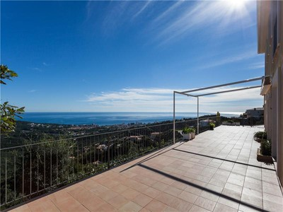 Einfamilienhaus for sales at Welcoming house with stunning sea views    Platja D Aro, Costa Brava 17250 Spanien