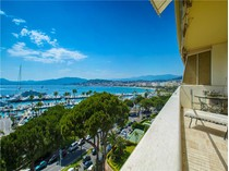 Apartment for sales at Luxurious apartment in the most prestigious buildi  Cannes, Provence-Alpes-Cote D'Azur 06400 France