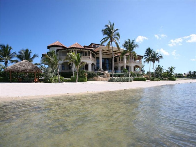Частный односемейный дом for sales at Castillo Caribe, Caribbean luxury real estate Castillo Caribe, S Sound Rd, Grand Cayman, Cayman Islands South Sound, Большой Кайман - Каймановы Острова