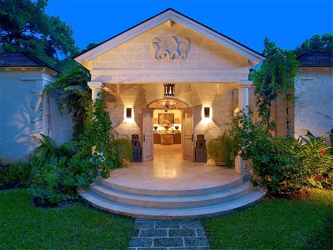Diğer Meskun Mahal for sales at Villa Hugo  Queens Fort, Saint James BB24016 Barbados