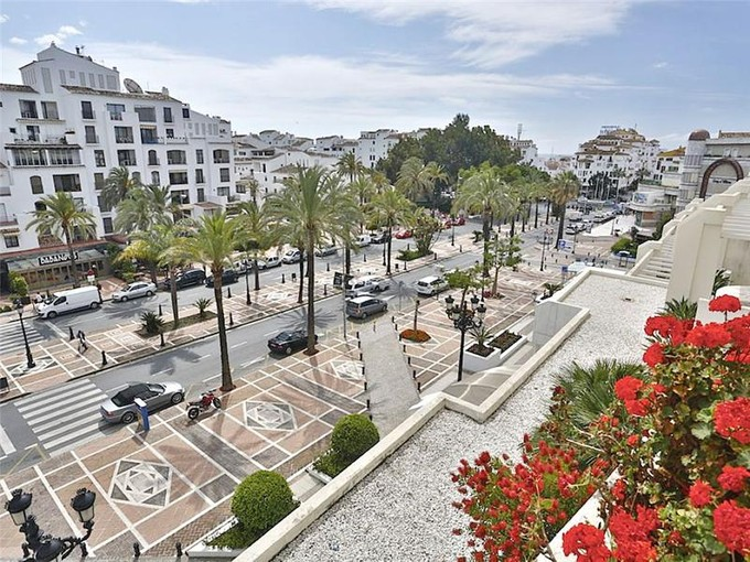 Apartman Dairesi for sales at Luxury apartment close to Puerto Banus  Marbella, Costa Del Sol 29660 Ispanya