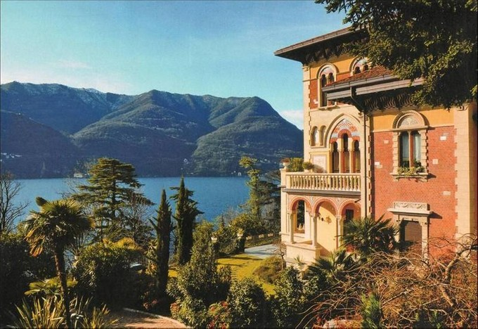 Apartamento for sales at Penthouse with panoramic watchtower Laglio Laglio, Como 22010 Italia