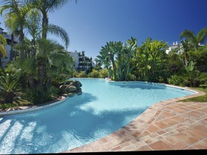 Additional photo for property listing at Spectacular frontline beach apartment  Marbella, Costa Del Sol 29600 Spain