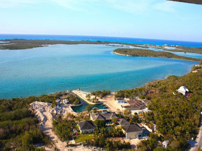 Maison unifamiliale for sales at Beach House Foster Hill Hartswell Georgetown, Exuma . Bahamas