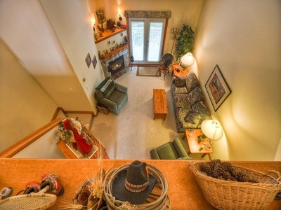 Piso for sales at 22 Timberline Village 22 3300 Village Place  Sun Peaks, British Columbia V0E 5N0 Canadá