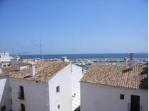 Appartement for sales at Refurbished apartment in Puerto Banus  Marbella, Costa Del Sol 29660 Espagne