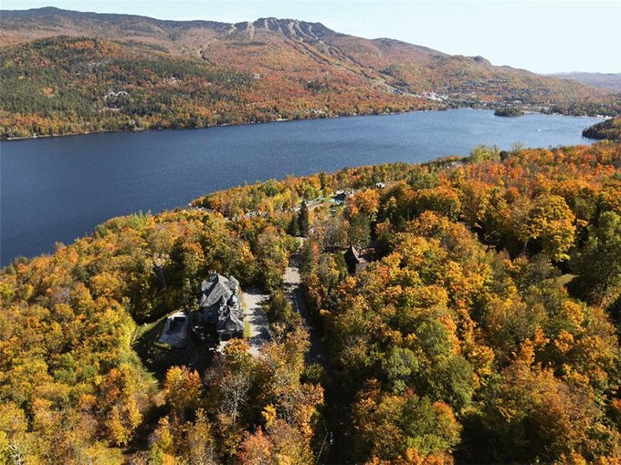 Moradia for sales at Chemin de Lac-Tremblant-Nord   Mont-Tremblant    Mont-Tremblant, Quebec J8E 1B4 Canadá