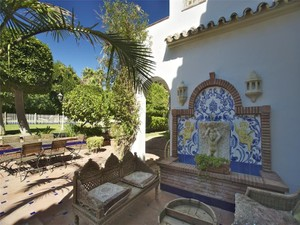 Additional photo for property listing at An ideal home on the Costa del Sol.  Marbella, Costa Del Sol 29670 España