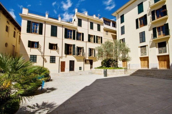 Apartman Dairesi for sales at Apartment in Palma´s Old Town    Palma Cathedral, Mallorca 07001 Ispanya