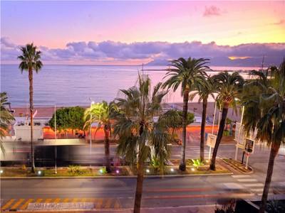 Wohnung for sales at Apartment on La Croisette  Cannes, Provence-Alpes-Cote D'Azur 06400 Frankreich