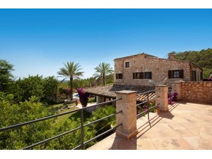 Additional photo for property listing at Finca with views over the Mallorcan countryside   Bunyola, Mallorca 07110 Spain