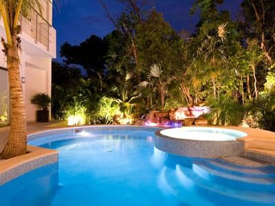 Maison unifamiliale for sales at UNPARALLELED CONTEMPORARY LIVING  Playa Del Carmen, Quintana Roo 77710 Mexique