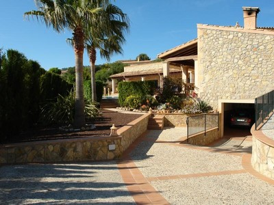 Maison unifamiliale for sales at Top Quality Rustic Style Villa With Stunning Views    Calvia, Majorque 07184 Espagne