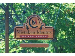 for Vendas at Mistaken Identity Vineyards    Salt Spring Island, Columbia Britanica V8K 2P5 Canadá
