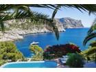 다가구 주택 for  sales at Unique sea line villa with boat house, sea access  Port Andratx, 말로카 07151 스페인