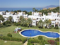Apartman Dairesi for sales at Great beachside location  Marbella, Costa Del Sol 29600 Ispanya