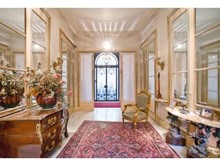 联栋屋 for sales at Charming Private Mansion - Triangle d'Or  Paris, 巴黎 75008 法国