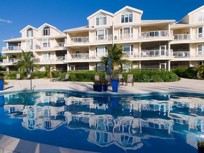 Condomínio for sales at The Grandview - Suite 101 Beachfront Grace Bay, Providenciales TCI BWI Turks E Caicos