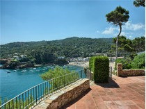 Einfamilienhaus for sales at Villa in front of the sea in Sa Riera, Begur    Begur, Costa Brava 17255 Spanien