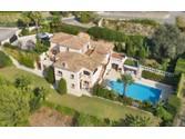 Maison unifamiliale for sales at Villa dans domaine privé avec vue magnifique sur la mer  Nice,  06000 France