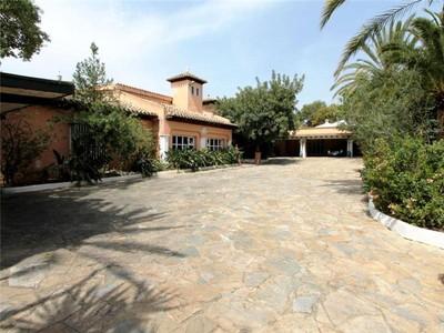 Vivienda unifamiliar for sales at Villa situada en la parte alta de La Milla de Oro  Marbella, Costa Del Sol 29600 España