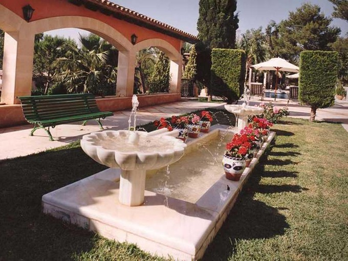 Mehrfamilienhaus for sales at Exklusives Anwesen in angesehenem Wohngebiet  Palma Son Vida, Mallorca 07013 Spanien