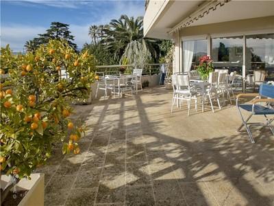 公寓 for sales at Sea view and vast terrace  Cannes, 普罗旺斯阿尔卑斯蓝色海岸 06400 法国
