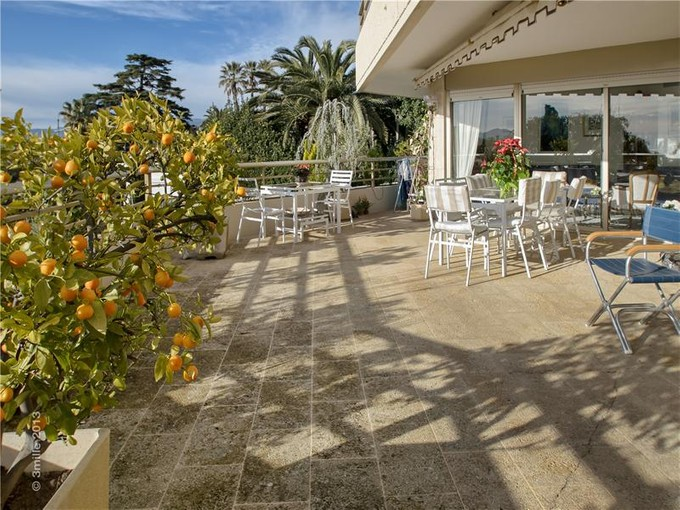 Apartman Dairesi for sales at Sea view and vast terrace  Cannes, Provence-Alpes-Cote D'Azur 06400 Fransa
