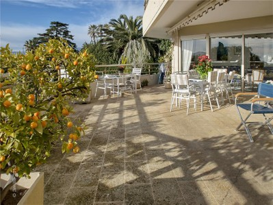 Appartements for sales at 3P avec vue mer résidence de grand standing  Cannes, Provence-Alpes-Cote D'Azur 06400 France