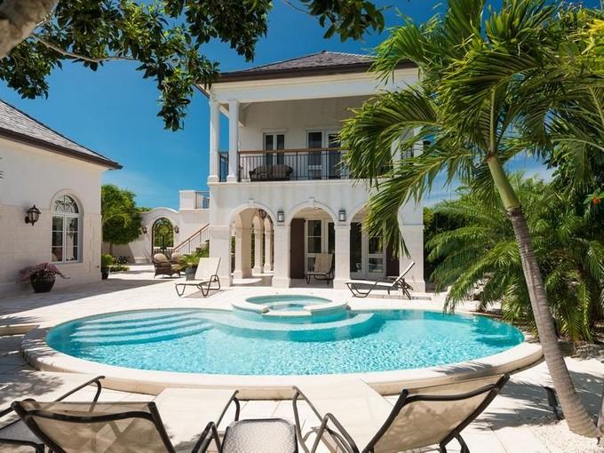 Vivienda unifamiliar for sales at Casa Barana Beachfront Thompson Cove, Providenciales TCI BWI Islas Turcas Y Caicos