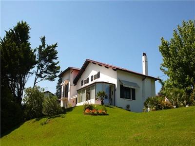Casa para uma família for sales at Arbonne centre  Biarritz, Aquitaine 64200 França