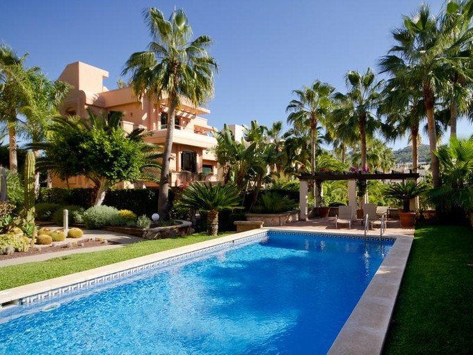 Apartamento for sales at Charming Apartment With Beautiful Mediterranean Ga  Port Andratx, Palma De Maiorca 07157 Espanha