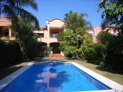 Maison de Ville for sales at Fantastic semi-detached villa in Puerto Banús  Marbella, Costa Del Sol 29660 Espagne