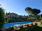 Villa for vendita at Casale di charme nel Chiante Classico  Gaiole In Chianti,  53013 Italia