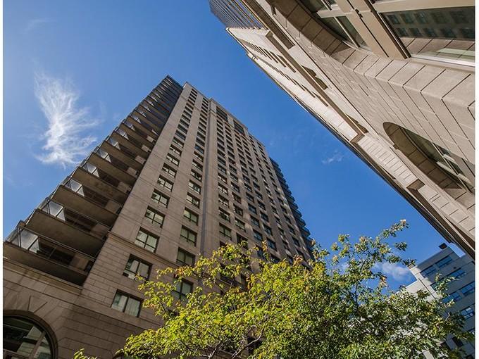 Condominium for sales at Montréal   Ville-Marie 1210 Boul. De Maisonneuve O., apt. 25A Montreal, Quebec H3A 0A2 Canada