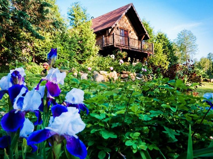 Farm / Ranch / Plantation for sales at Critically Acclaimed Fromagerie and Estate    Waterville, 퀘벡주 J0B 3H0 캐나다