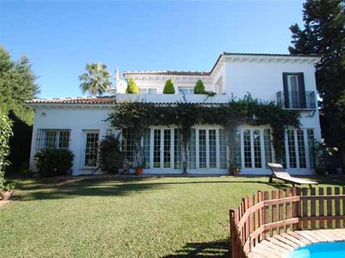 Einfamilienhaus for sales at Charming villa in the best location  Marbella, Costa Del Sol 29600 Spanien